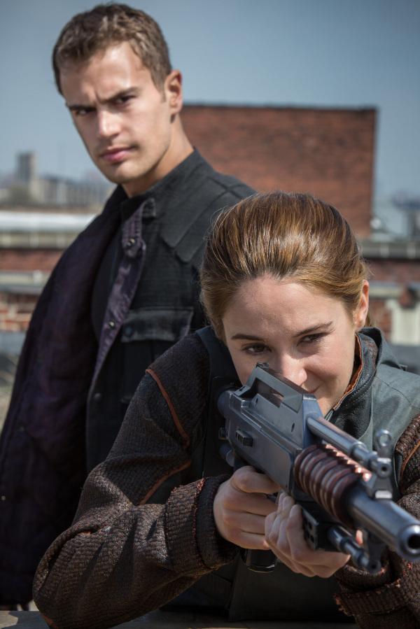 《饥饿游戏》接班人《分歧者》(Divergent)先行预告片发布