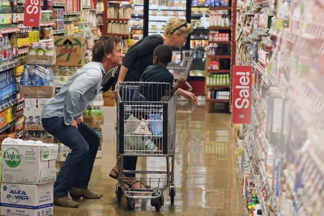 女神杀手 西恩·潘(Sean Penn)与查理兹·塞隆(Charlize Theron)恋情曝光