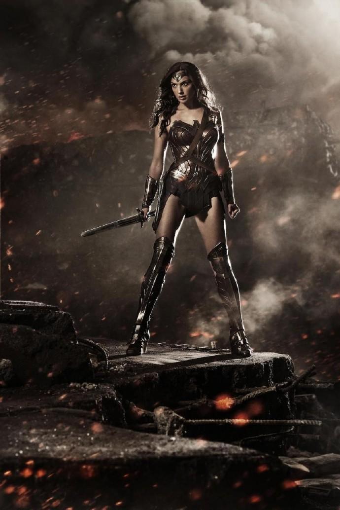 《蝙蝠侠大战超人:正义黎明》神奇女侠盖尔·加朵(Gal Gadot)定妆照