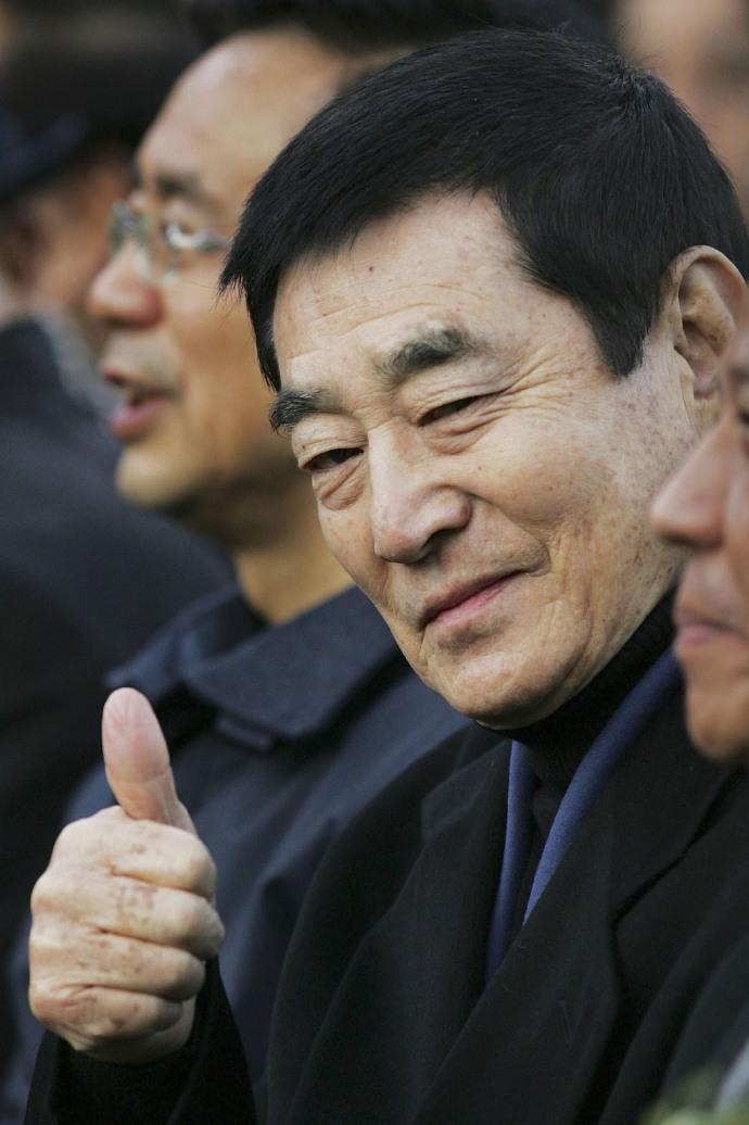日本演员高仓健(Ken Takakura)去世,享年83岁