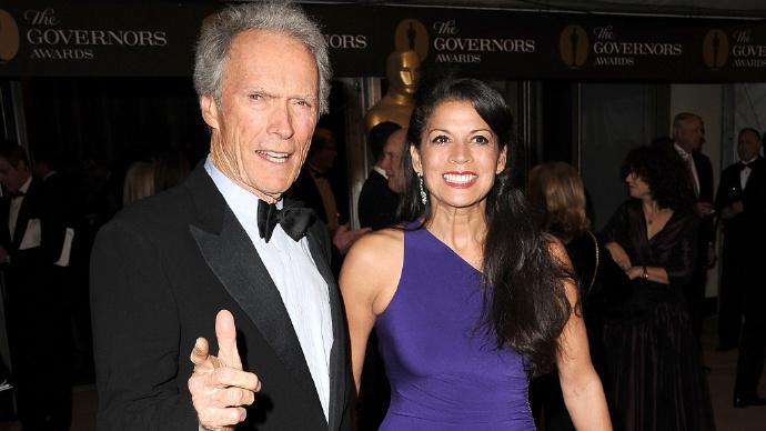 84岁克林特·伊斯特伍德(Clint Eastwood)与妻子狄娜·伊斯特伍德正式离婚