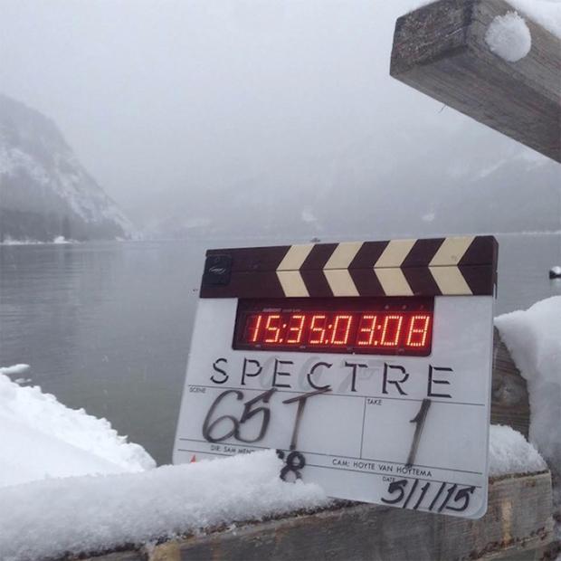《邦德24》曝雪景片场照 圣诞节假期后首开工 片方推特汇报进度