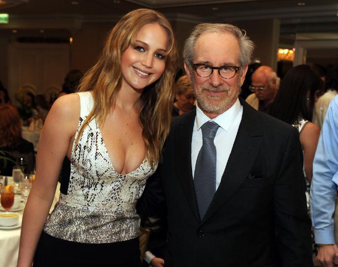 詹妮弗·劳伦斯(Jennifer Lawrence)与斯皮尔伯格合作将出演战地女摄影师