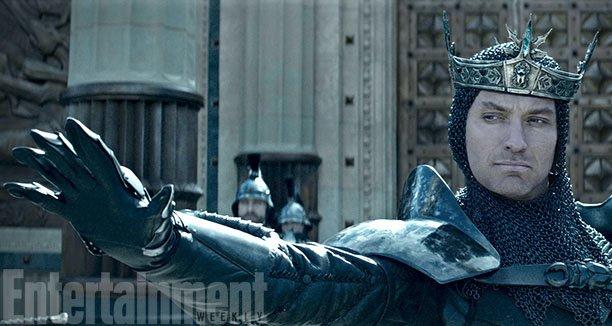 《亚瑟王:宝剑传奇》中裘德·洛(Jude Law)大反派造型曝光